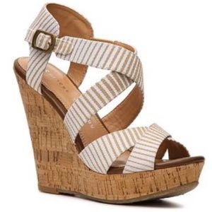 Chinese Laundry Marianne Striped Wedge Size 9